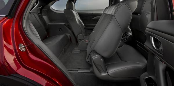Mazda CX-9 กับห้องโดยสารกว้างขวาง เบาะแถวที่ 2 และ 3 ปรับตำแหน่งใหม่ให้นั่งได้สบายมากกว่าเดิม