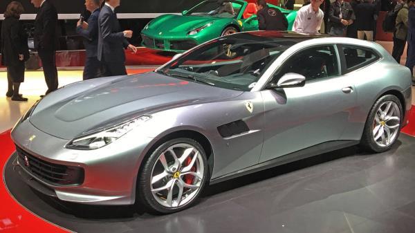 Ferrari GTC4Lusso T ปี 2017