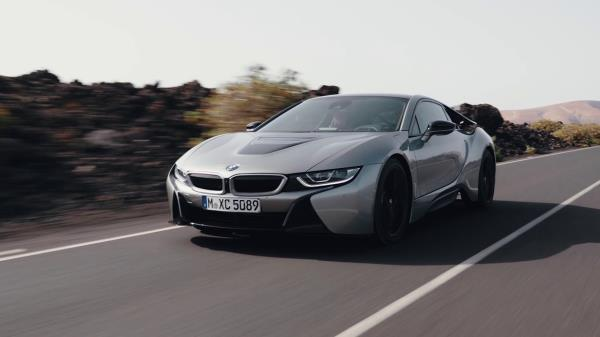 ความหล่อจากภายนอกของ  BMW i8 Coupe 2018