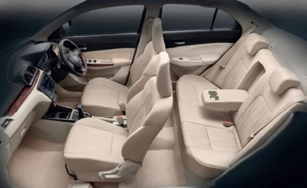 ภายในห้องโดยสารของของ Suzuki Dzire  รถ Eco Car สไตล์ Sedan