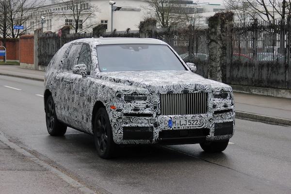 ดีไซน์ด้านหน้า  Rolls-Royce Cullinan