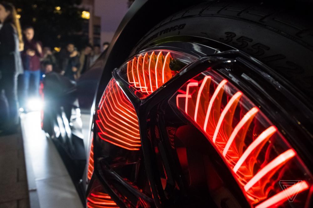 ซูเปอร์คาร์ Lamborghini Terzo Millennio