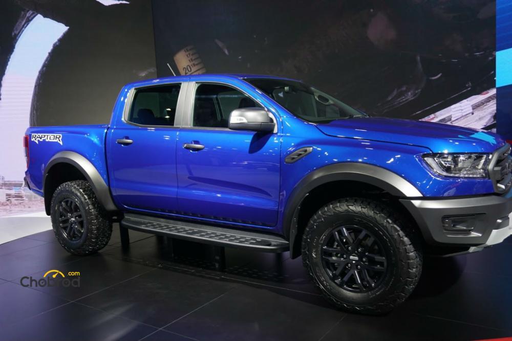 ด้านข้าง Ford Ranger Raptor