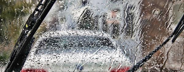 ฝนตกหนักจนทำให้มองไม่เห็นทางข้างหน้าก็ควรจะเปิดใบปัดน้ำฝน