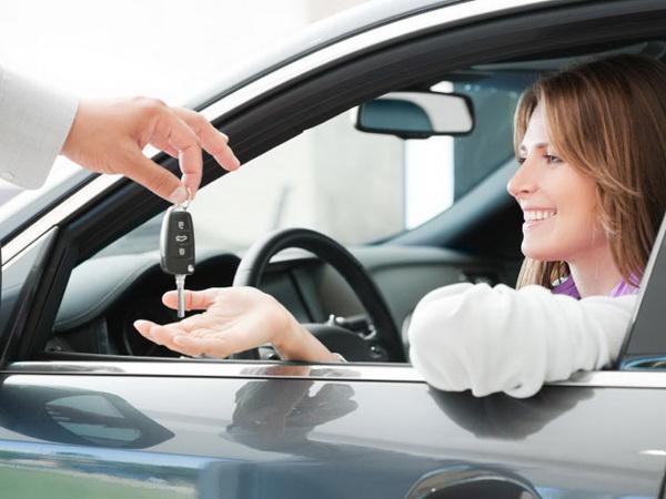 ก่อนซื้อรถใหม่ป้ายแดง ใจเย็นๆ ลองดูหลายๆ สาขา อย่าเพิ่งรีบร้อน