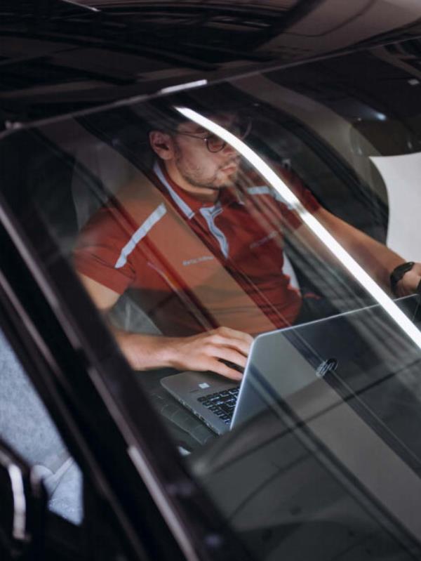 ต่างประเทศเผยภาพการผลิต  Porsche Mission E สปอร์ตพลังไฟฟ้าเต็มรูปแบบ