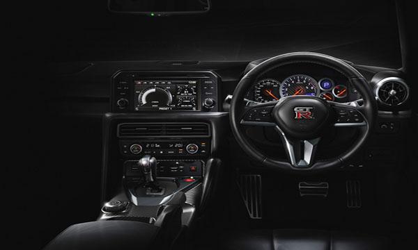 ฟังก์ชั่นอำนวยความสะดวกมากมายในNissan GT-R Premium Edition