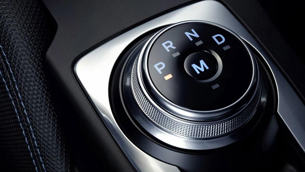 ปุ่มปรับเลื่อนระดับเกียร์ Ford Focus 2018