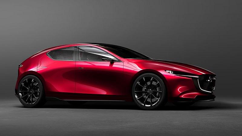 ด้านข้างสุดโฉบเฉี่ยวของ Mazda 3 Skyactiv 2018
