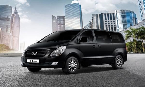 Hyundai H1 Touring รุ่นพิเศษ สีดำ Timeless Black