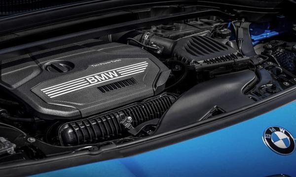 เครื่องยนต์เบนซิน Twin Power Turbo แบบ 4 สูบ ขนาด 2.0 ลิตร