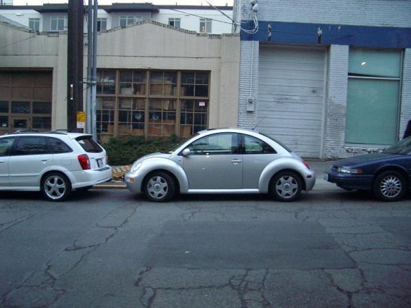 จอดรถยนต์บนพื้นที่ขรุขระ