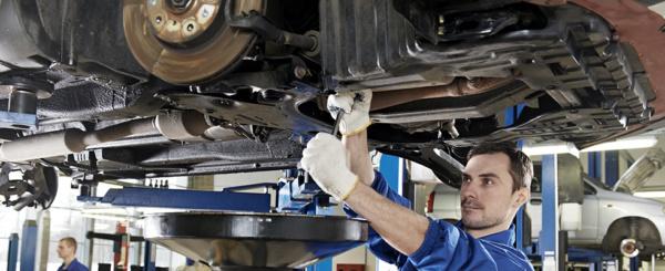 นำรถเข้าศูนย์หรืออู่ซ่อมรถเพื่อตรวจเช็ค