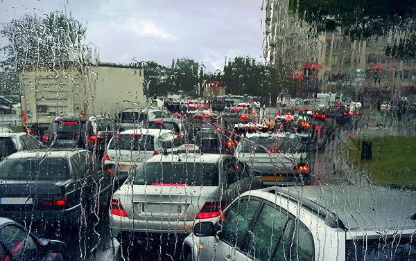 เทคนิคดูแลรถยนต์ในหน้าฝน