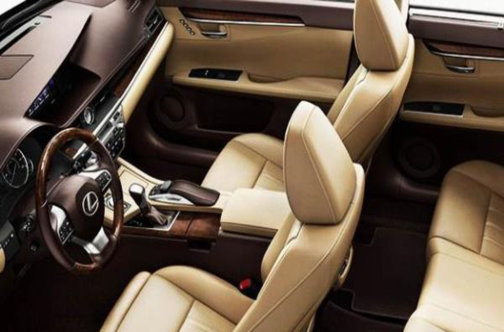 Lexus ES 2018 ให้ความสปอร์ตอย่างเหนือระดับด้วยห้องโดยสารที่เพิ่มขนาดพื้นที่ใช้สอยให้มากขึ้น