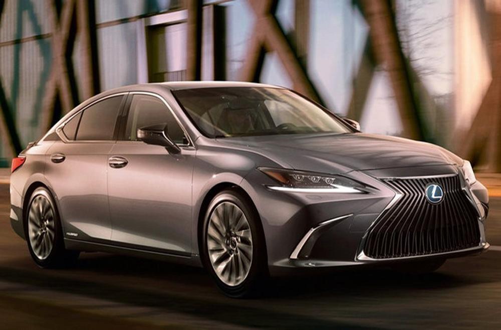Lexus ES 2018 ตอบโจทย์รถซีดานสุดหรูสไตล์ Luxury Car ให้ความสะดวกสบายแก่ผู้บริหารในการเจรจาทุกธุรกิจ