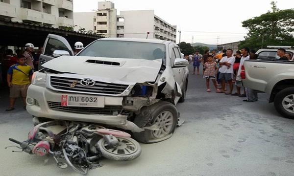 รถยนต์ชนรถจักรยานยนต์ใครผิด