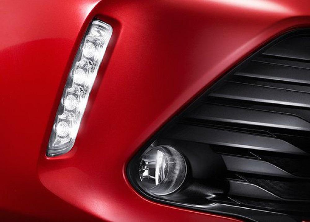 ไฟส่องสว่างเวลากลางวัน Daytime Running Light แบบ LED และไฟตัดหมอกหน้าเพิ่มความปลอดภัยในการขับขี่