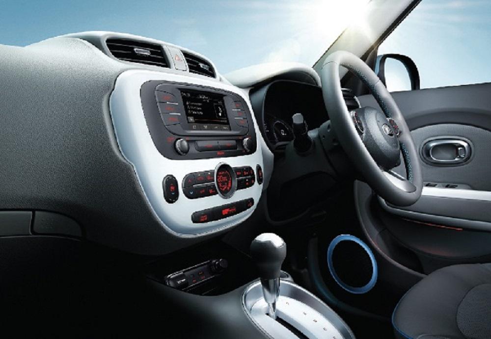 พวงมาลัยหุ้มด้วยหนัง ระบบเชื่อมต่อไร้สาย Bluetooth ช่องเชื่อมต่อ AUX / USB