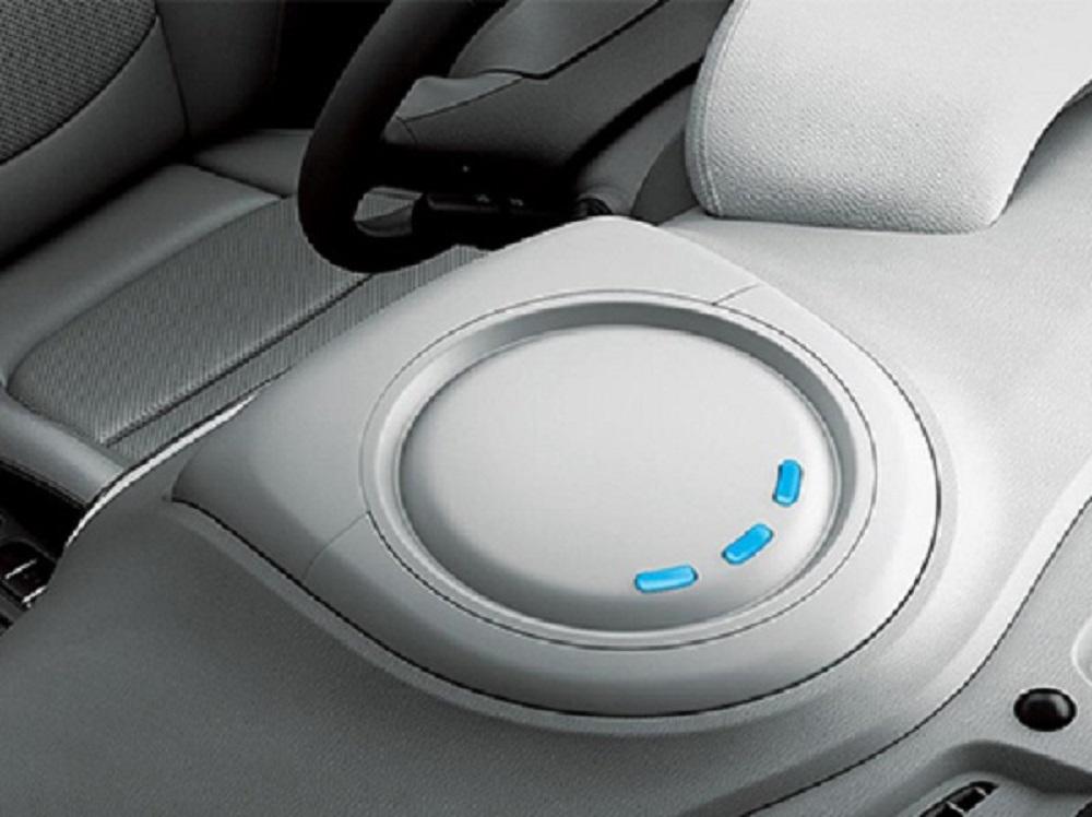 ที่วัดกระแสไฟฟ้าหน้าคอนโซล เพื่อบ่งบอกจำนวนไฟฟ้าที่มีอยู่ในรถ