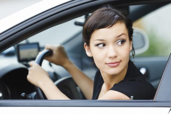 ถอยหลังเข้าจอดรถอย่างไรให้ง่ายและปลอดภัยที่สุด