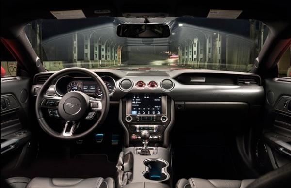 ส่วนภายในห้องโดยสารของ Ford Mustang  2018