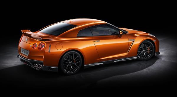 รูปลักษณ์ภายนอกของ Nissan GT-R  2018