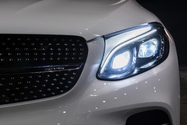 ที่ออกแบบอยางลงตัว ด้วยชุดตกแต่ง AMG bodystyling  รอบคัน  ไฟหน้าแบบ LED Intelligent Light System และดีไซด์ด้านท้ายสุดหรูหราด้วย AMG Spoiler-lip, ปลายท่อไอเสีย 2 ท่อ แบบ 4-pipe look, ท่อไอเสียแบบ AMG Sports exhaust system