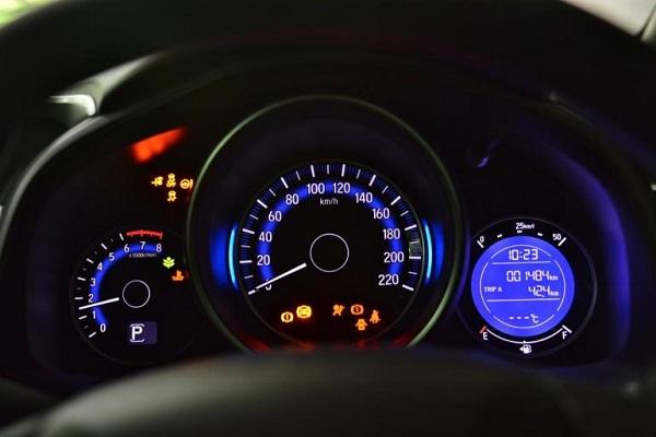 มาตรวัดเรืองแสงในแบบ Honda  Jazz