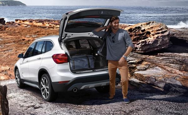 เบาะนั่งด้านหลังของ BMW X1 ยังสามารถปรับเลื่อนเป็นพื้นที่สำหรับเก็บสัมภาระได้อีกด้วย