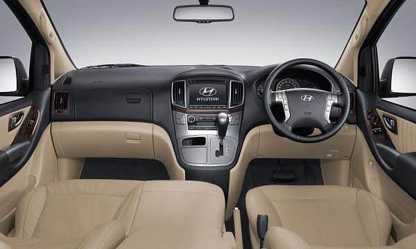 Hyundai H1 Series รุ่น Deluxe ที่เพิ่มหน้าจอ LCD ความละเอียดสูง ระบบสัมผัส ขนาด 7 นิ้ว