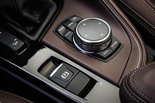 ดีไซน์ภายใน BMW X1 2018 สำหรับตกแต่ง