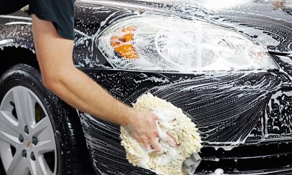 ล้างรถยนต์เองแล้วเกิดรอยแมวข่วนจะต้องแก้ไขอย่างไร