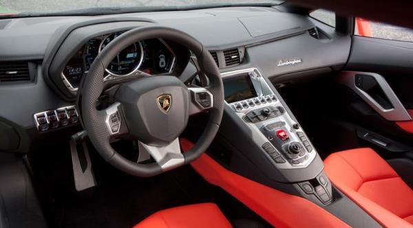 การศึกษาข้อมูลให้ละเอียดของรุ่นรถที่ต้องการซื้อ