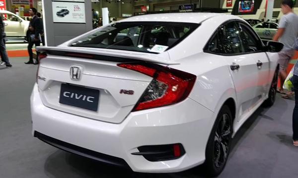 Honda Civic 2018 ติดตั้งไฟท้ายแบบ LED