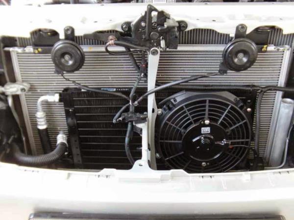 การตรวจสอบพัดลมไฟฟ้าของรถยนต์