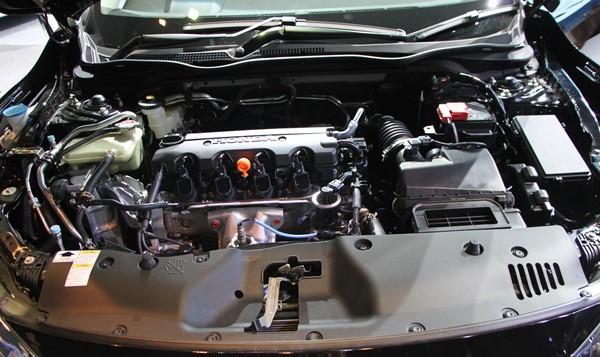 เครื่องยนต์ภายในของ Honda Civic Hatchback 2018-2019