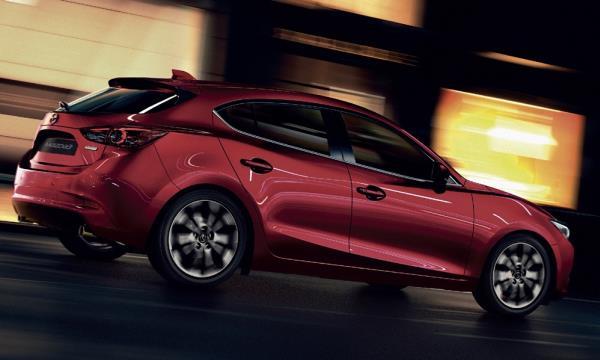 ดีไซน์ภายนอก Mazda 3 2018