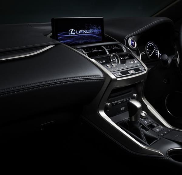 อุปกรณ์อำนวยความสะดวกภายใน Lexus NX300h 2018