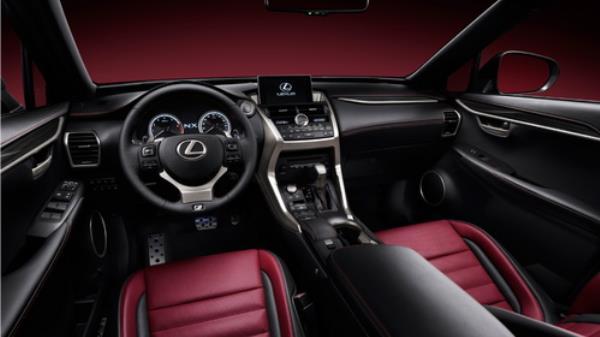 ดีไซน์ภายในห้องโดยสาร  Lexus NX300h 2018