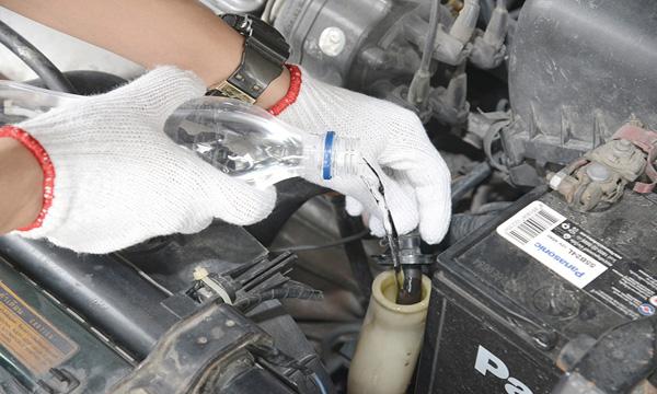 จอดรถ พักเครื่อง เช็คหม้อน้ำ 3 ขั้นตอนหลักเมื่อเครื่องยนต์มีความร้อนสูง