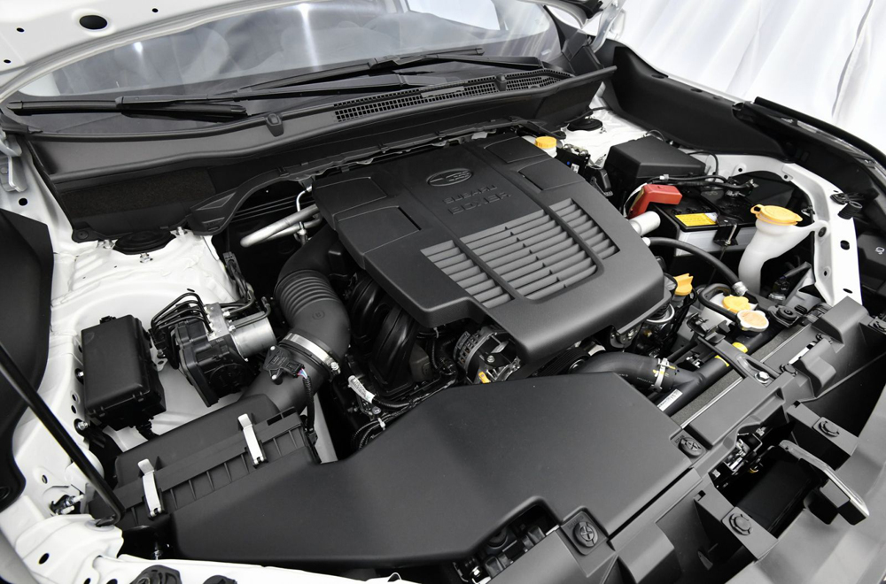 เครื่องยนต์ Subaru Boxer DOHC เทอร์โบชาร์จ ขนาด 2.0 ลิตร ให้กำลังสูงสุด 150 แรงม้า ที่ 6,200 รอบ/นาที แรงบิดสูงสุด 198 นิวตัน-เมตร ที่ 4,200 รอบ/นาที ส่งกำลังด้วยระบบเกียร์ CVT พร้อม Linearttronic
