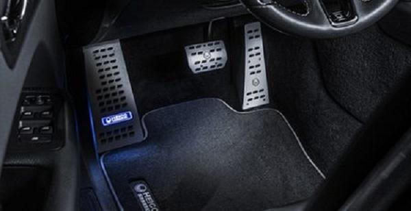 ภายในห้องโดยสารเพิ่มความสปอร์ตแต่คงไว้ซึ่งความหรูหราในแบบ Volvo XC60 2018