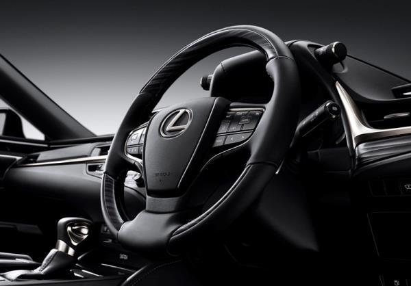 ดีไซน์ภายในของ Lexus ES300h 2018