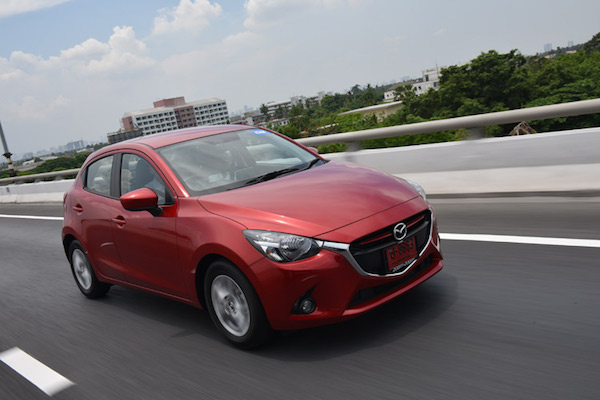 รีวิว Mazda2