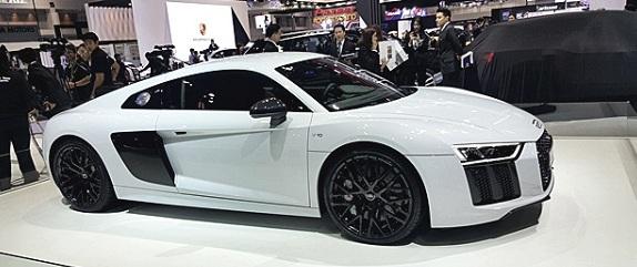 Audi R8 Coupe V10 ที่วางจำหน่ายโดยออดี้ ไทยแลนด์
