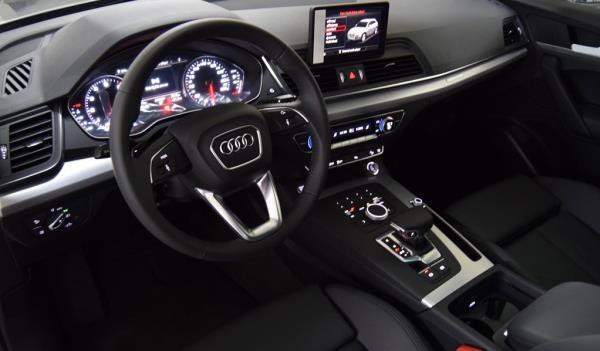 ดีไซน์ภายใน Audi Q5 2018