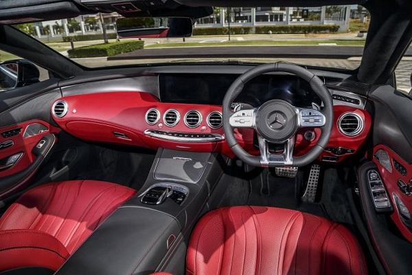 ภายในห้องโดยสาร Mercedes-Benz S 560 Cabriolet 2018