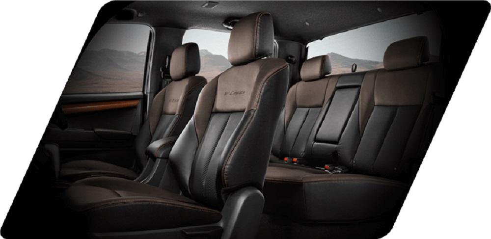 เบาะนั่งคนขับปรับได้ 6 ทิศทาง ด้วยไฟฟ้า เบาะหลังยังสามารถแยกปรับพับได้แบบ 60:40