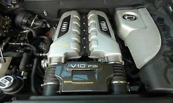 เครื่องยนต์เบนซินเทอร์โบ Durect Injection ขนาด 5.2 ลิตร แบบ V10
